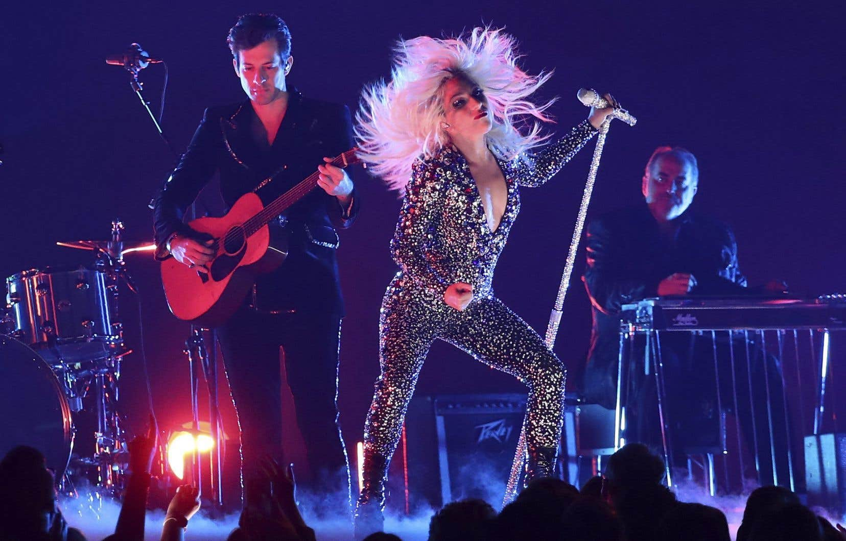 Lady Gaga, ici en concert avec Mark Ronson, en 2019