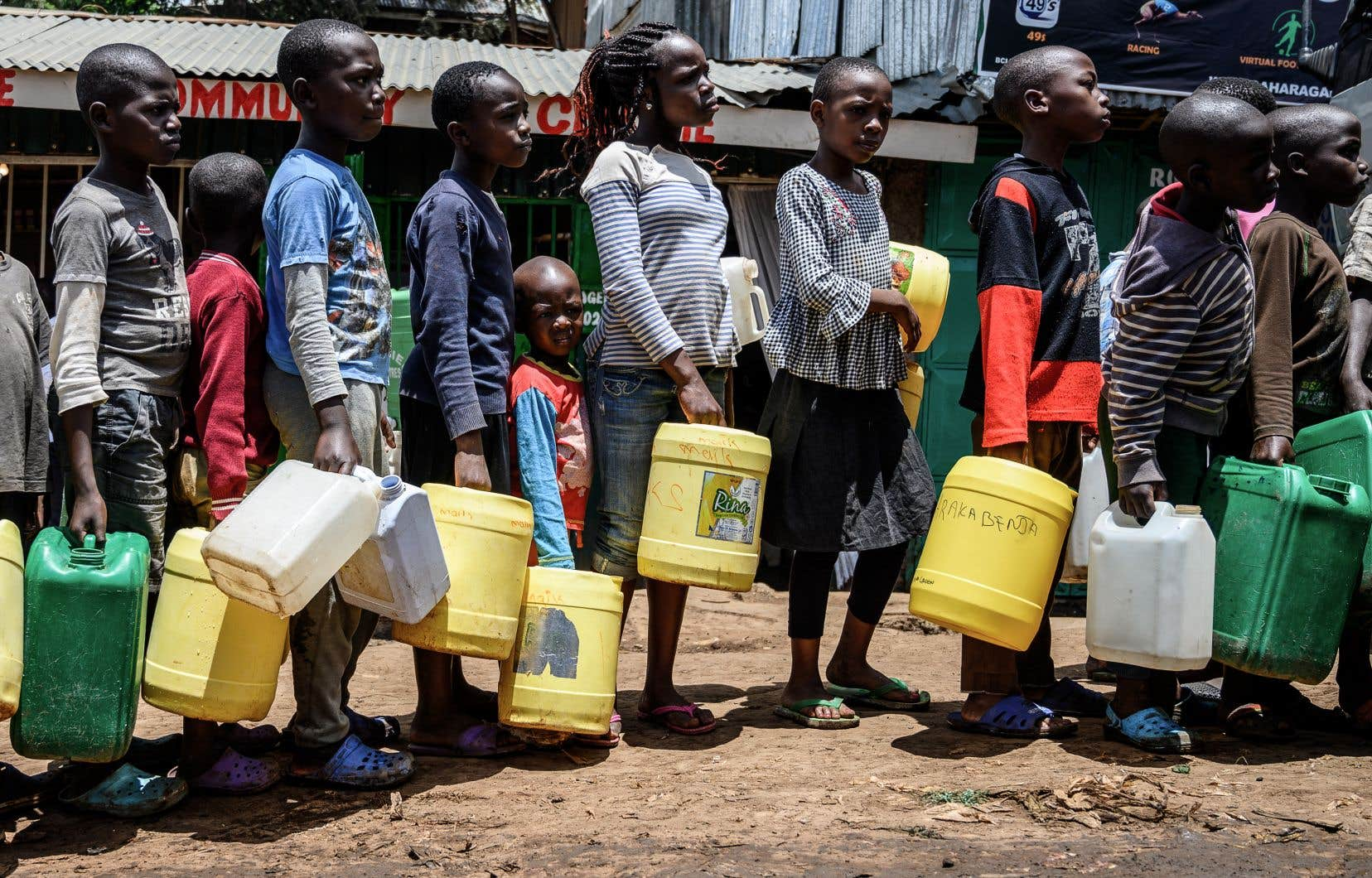 Tandis queles pays riches  multiplient les plans d'aide d'urgence aux travailleurs et aux entreprises touchées par la crise, les pays en développement «manquent cruellement de puissance de feu  financière et ont besoin de toute l'aide qu'ils peuvent obtenir, le plus rapidement possible», estime Oxfam.