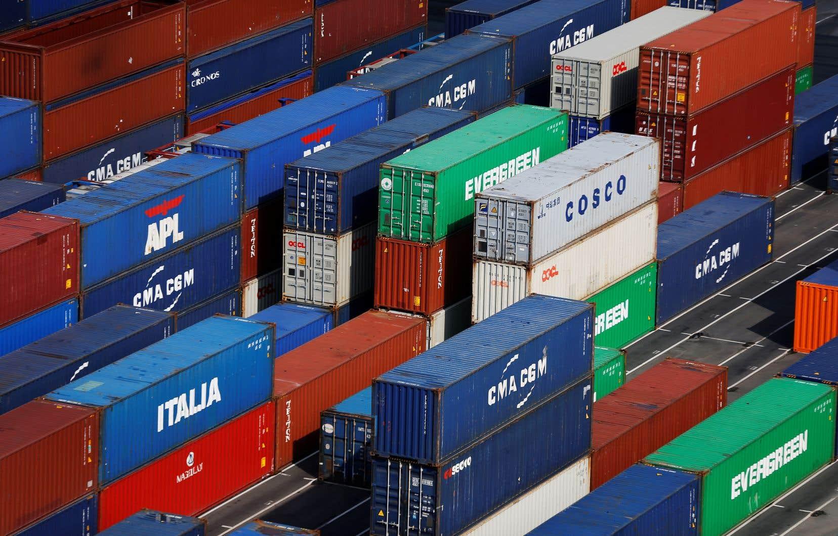 Le commerce mondial pourrait chuter entre 13 et 32% en 2020 selon le scénario probable ou pessimiste, avertit l'Organisation mondiale du commerce.