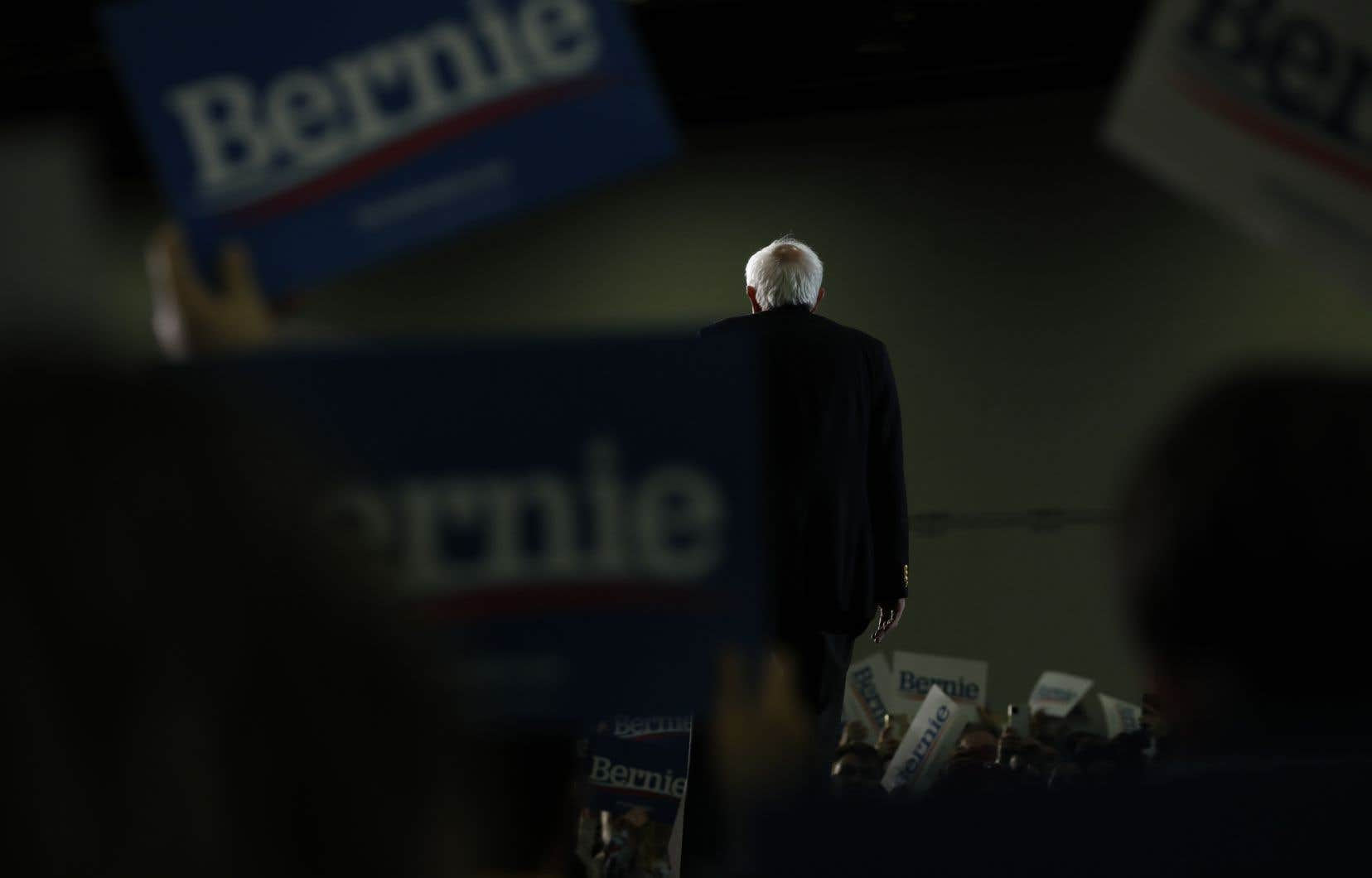 Le sénateur du Vermont, distancé rapidement par l'ex-vice-président américain dans les primaires après pourtant un départ remarquable, a appelé ses fidèles à rester actifs pour faire avancer ses idées au sein de la formation politique.