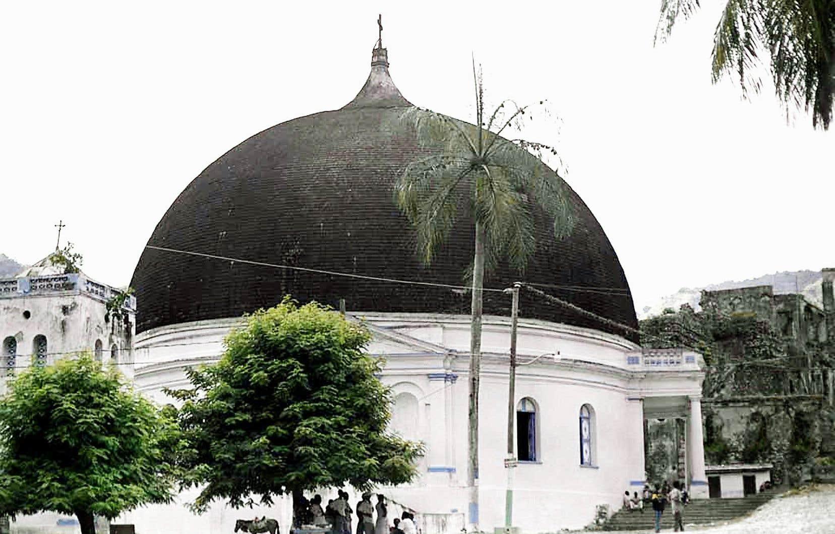 Le monument historique avait fait l'objet de travaux d'urgence en 2018, pour colmater les importants trous de la toiture du dôme.