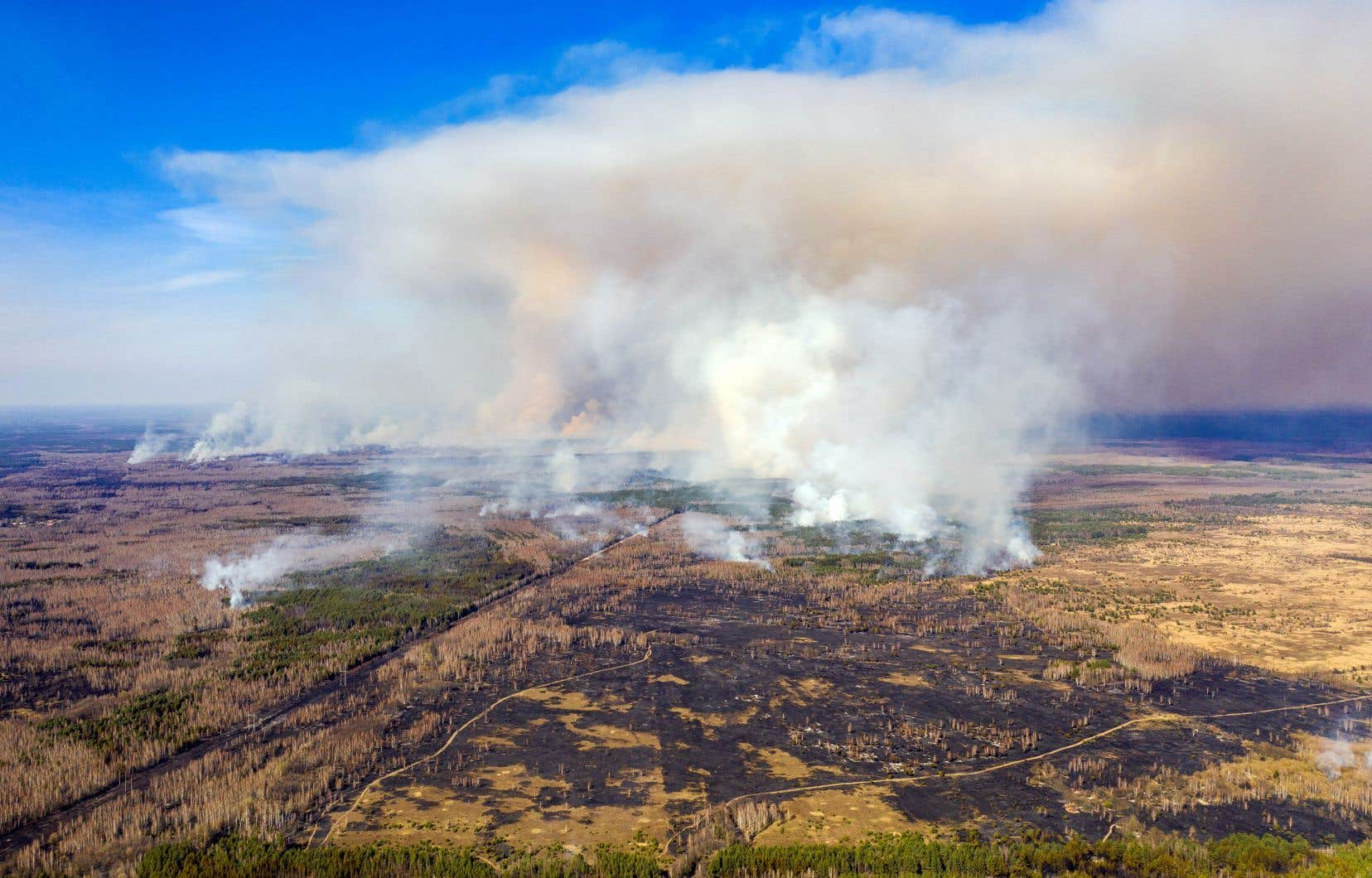 <p>Entretenu par le vent et une sécheresse inhabituelle, l'incendie s'est déclaré il y a une dizaine de jours dans ce territoire fortement contaminé, théâtre du pire accident nucléaire de l'Histoire en 1986.</p>