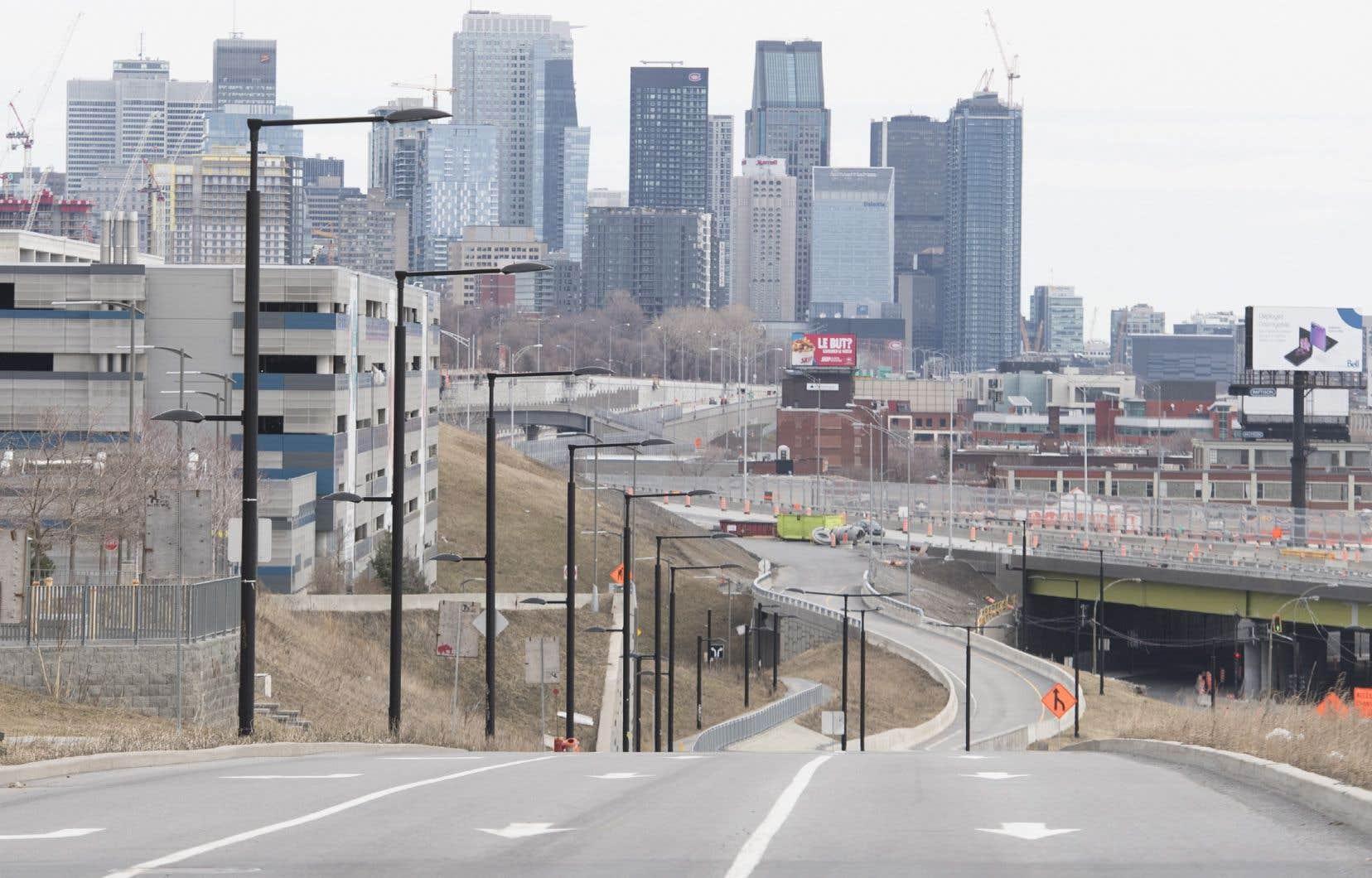 Les villes devront vraisemblablement contracter des emprunts pour remédier aux manques à gagner, mais elles ne voudront pas augmenter les taxes en 2021, soutient Suzanne Roy.