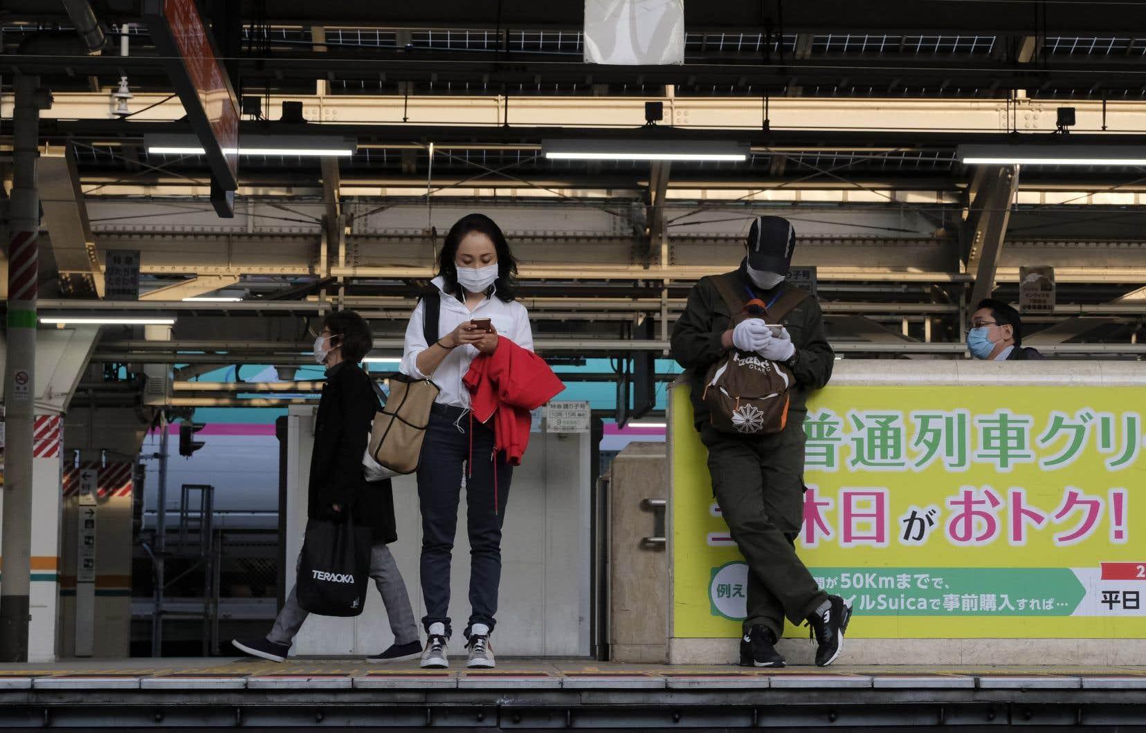 Le Japon a été jusqu'à présent relativement épargné par la pandémie mais le nombre de cas a sensiblement augmenté depuis fin mars.