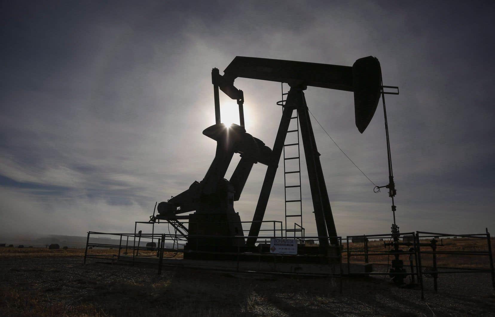 Dans l'Ouest canadien, les prix du brut lourd sont de nouveau tombés en dessous de 5$ le baril cette semaine, soit moins du dixième de ce qu'ils étaient il y a un an.