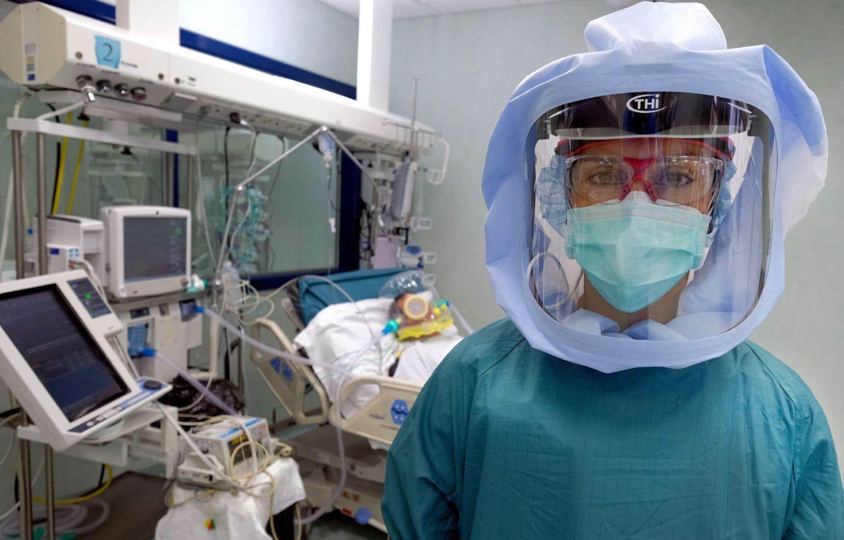 «L'expertise infirmière va bien au-delà de gestes techniques comme la pose d'un cathéter ou d'une sonde urinaire», souligne l'autrice.