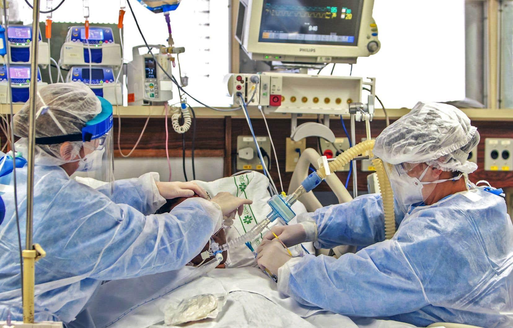 Si le pire était survenu, que la crise avait été hors de contrôle comme en Italie et que les équipements médicaux avaient été insuffisants, il aurait fallu décider quel patient serait soigné et lequel ne le serait pas.