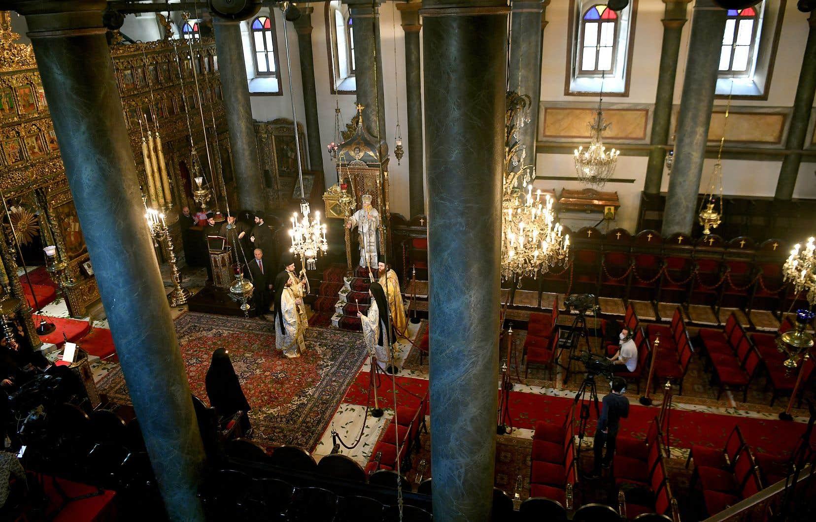Le patriarche oecuménique de Constantinople, Bartholomée Ier, a assuré une messe à huis clos, mais retransmise sur Internet, dimanche, dans la cathédrale Saint-Georges d'Istanbul, en Turquie.