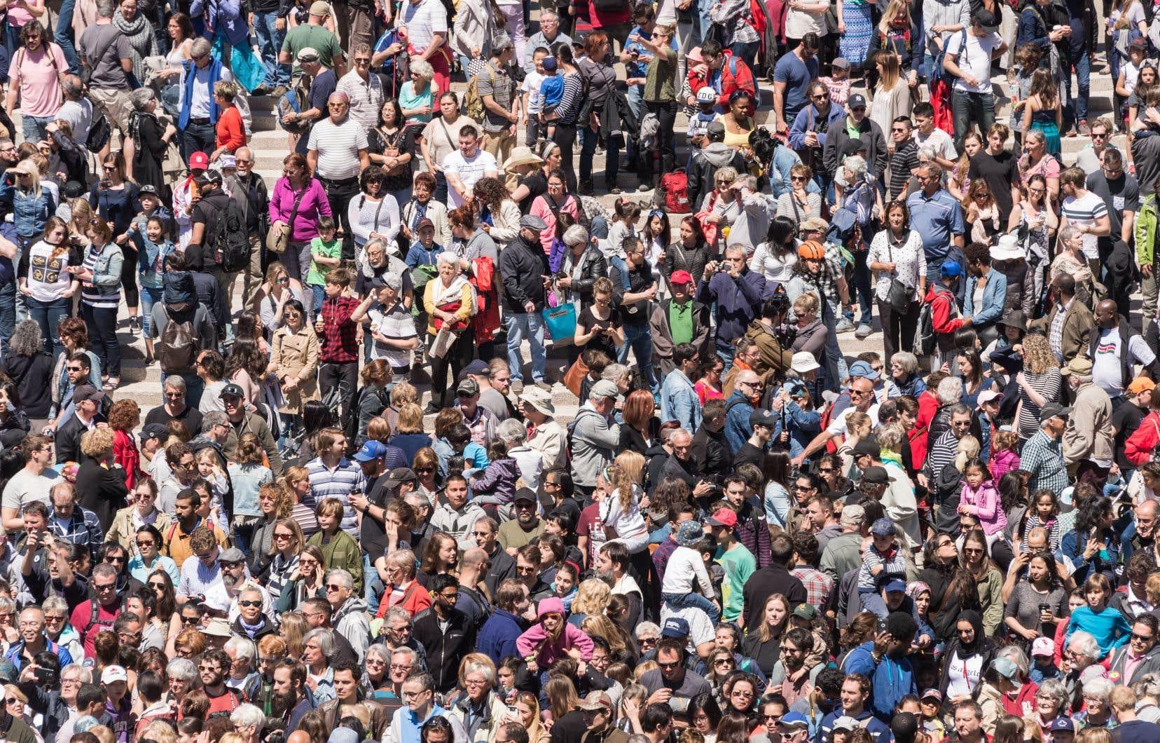 Avec cette lutte au coronavirus que mène le Québec, il faudra patienter encore un moment avant de voir une telle foule de citoyens envahir la place des Festivals, à Montréal.