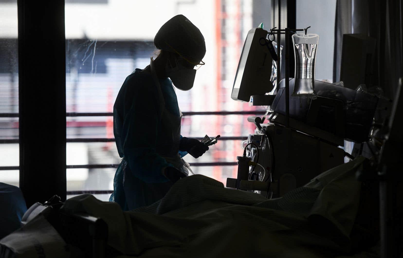 Certaines infirmières, infirmières auxiliaires et préposées ont levé la main pour être réaffectées à d'autres tâches, mais beaucoup sont toujours à la maison.
