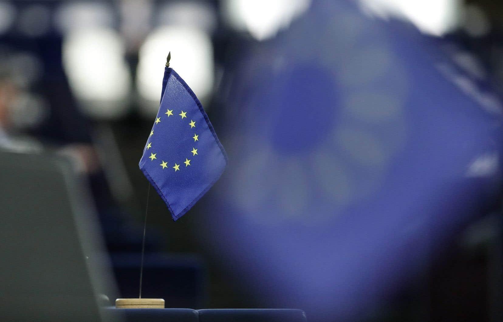 La présidente de la Commission européenne, Ursula von der Leyen, a mentionné en vidéoconférence vendredi qu'elle souhaite que les dirigeants de la planète s'unissent afin d'amasser environ 11,4milliards $ pour la lutte au coronavirus.