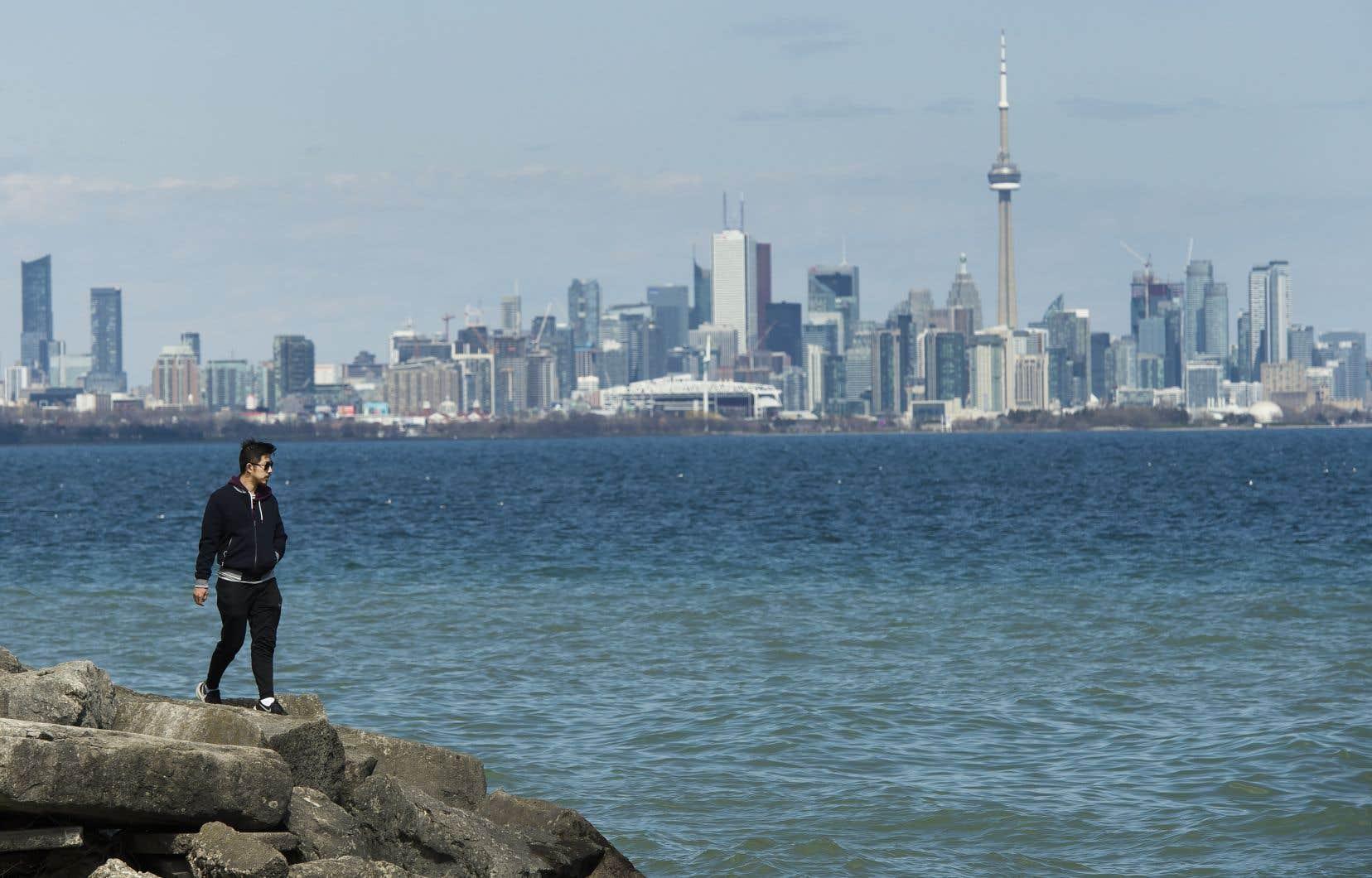 Le nouveau bilan en Ontario est maintenant de 15381 cas, 951 décès et 8964 cas résolus.