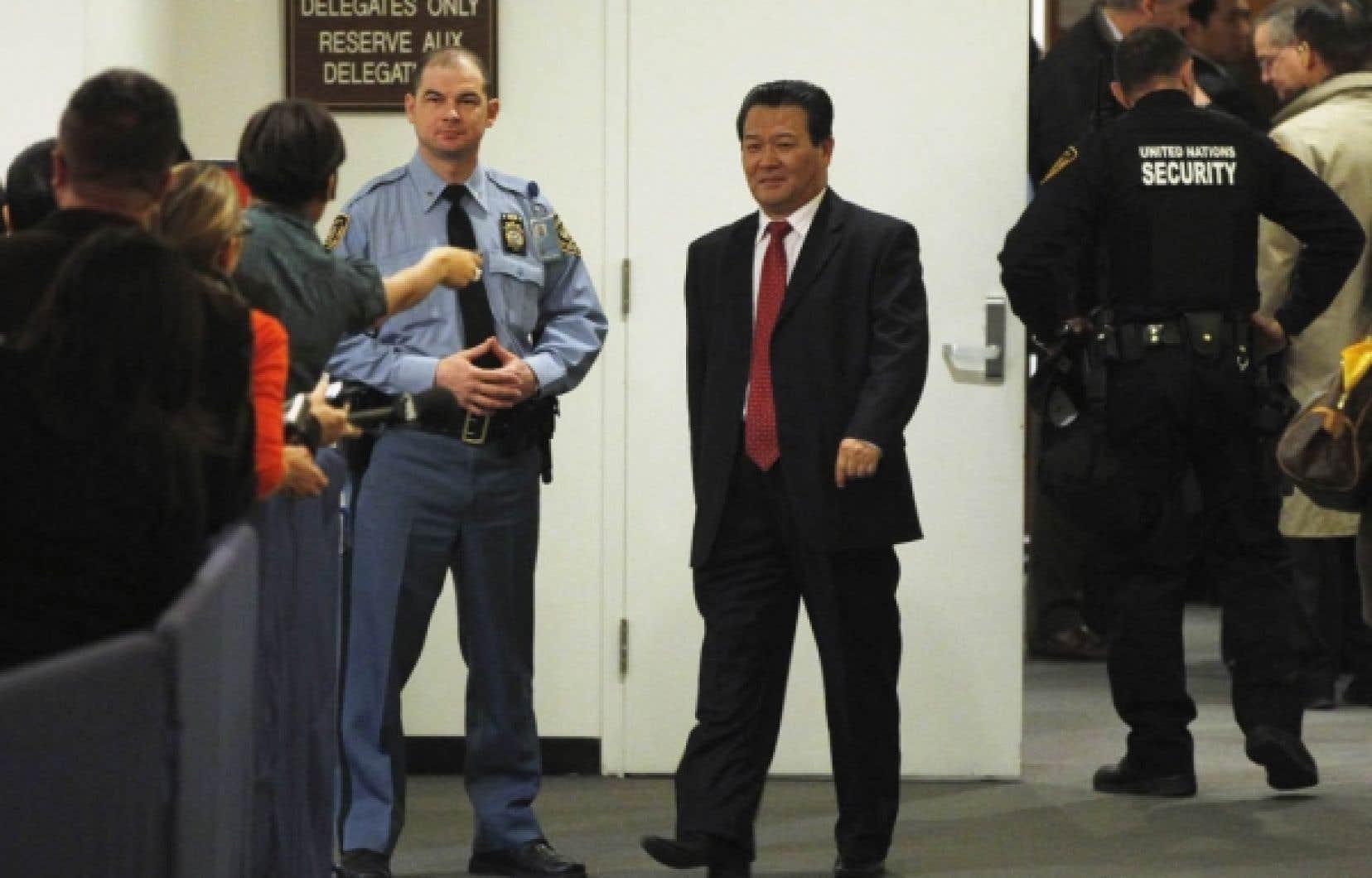 L'ambassadeur nord-coréen aux Nations-unies, Sin Son-ho, lors de la séance extraordinaire du Conseil de sécurité, hier à New York.<br />