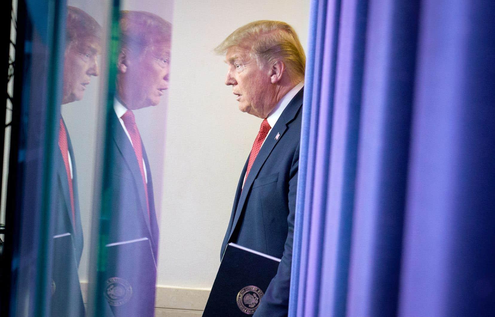 Le camp républicain se prépare à lancer sa première offensive médiatique pour la réélection de Donald Trump avec des publicités télévisées «vantant la bonne gestion de la crise du coronavirus par le président américain», ont rapporté des médias spécialisés jeudi.