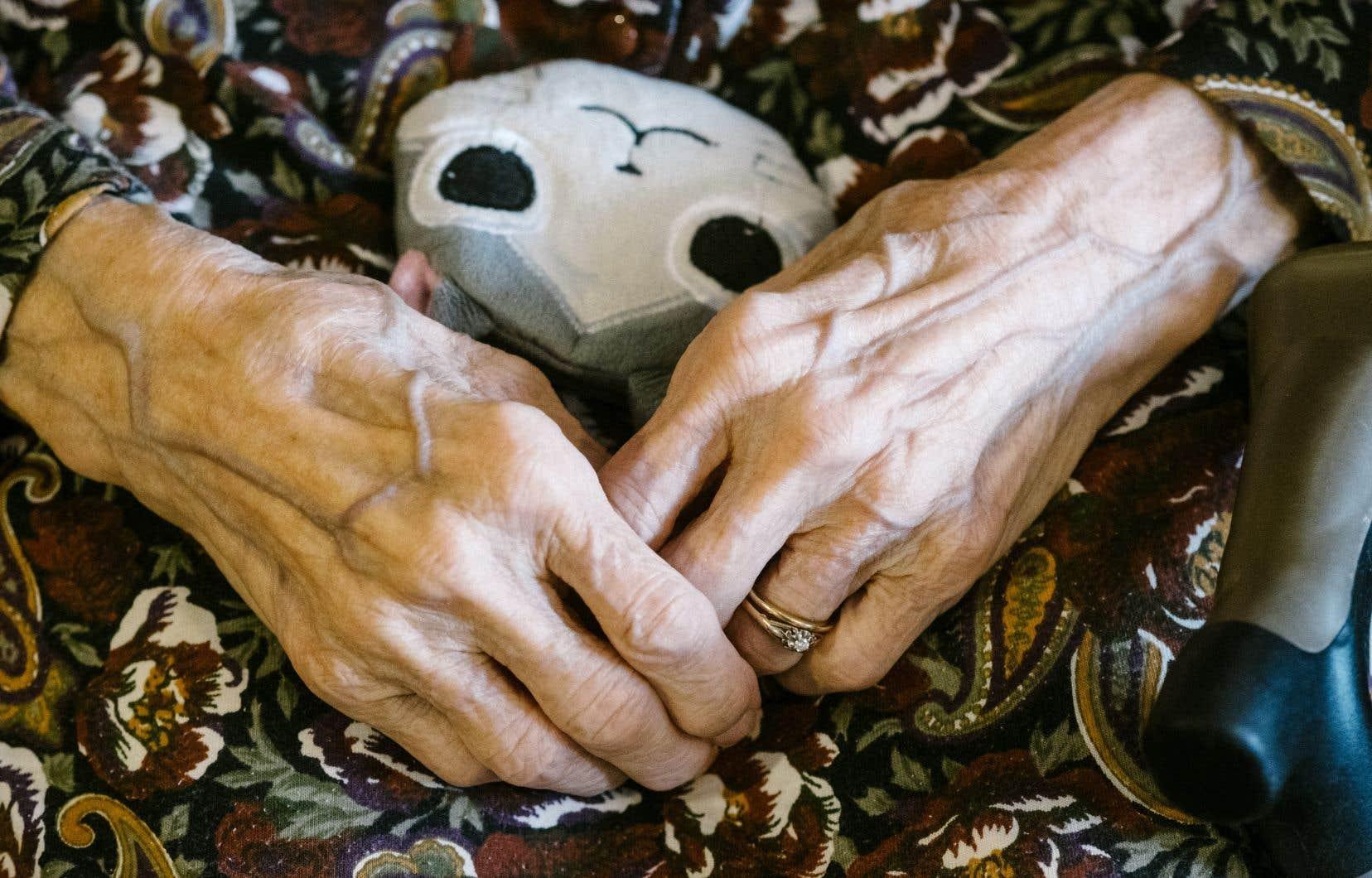 Les propriétaires de résidences pour personnes âgées s'inquiètent de la détresse psychologique de leurs locataires.