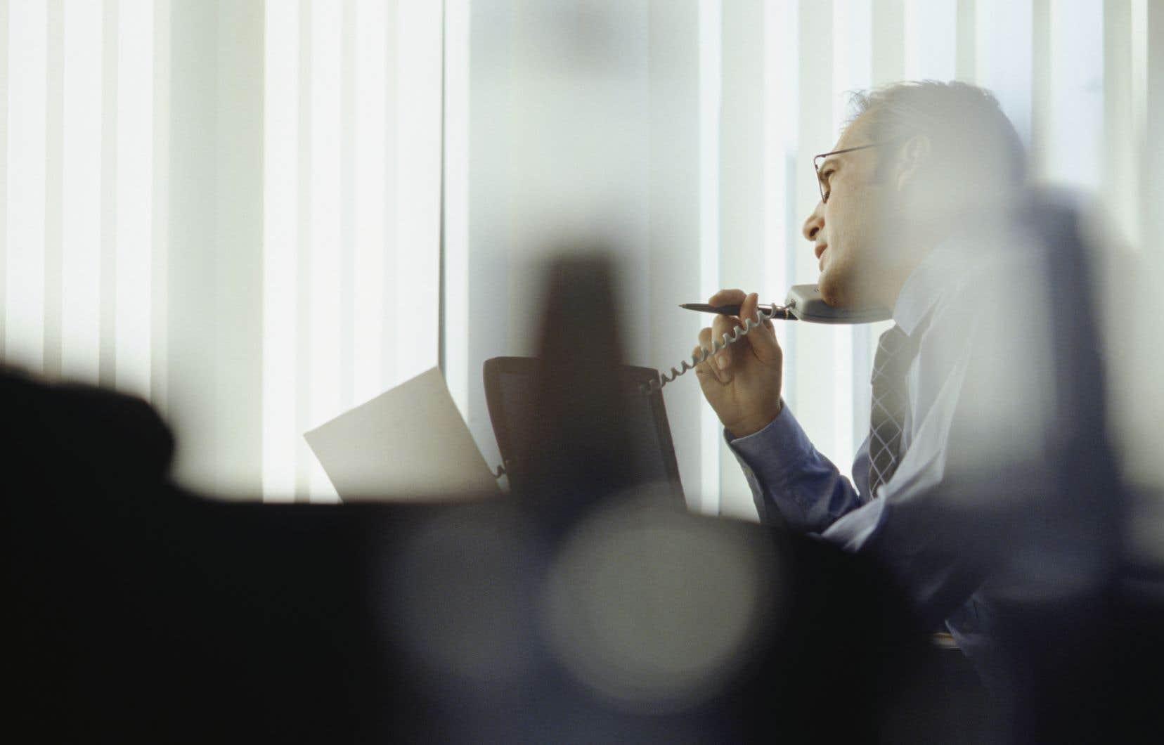 Selon un expert, les conseils d'administration des entreprises devront se pencher sur la rémunération future des dirigeants, présentement réduite ou suspendue dans certains cas.