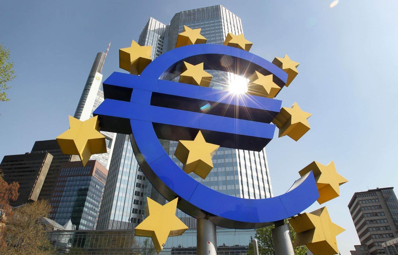 La présidente de la banque centrale européenne, Christine Lagarde, s'est dite prête à un renforcement du programme d'urgence de l'institution.