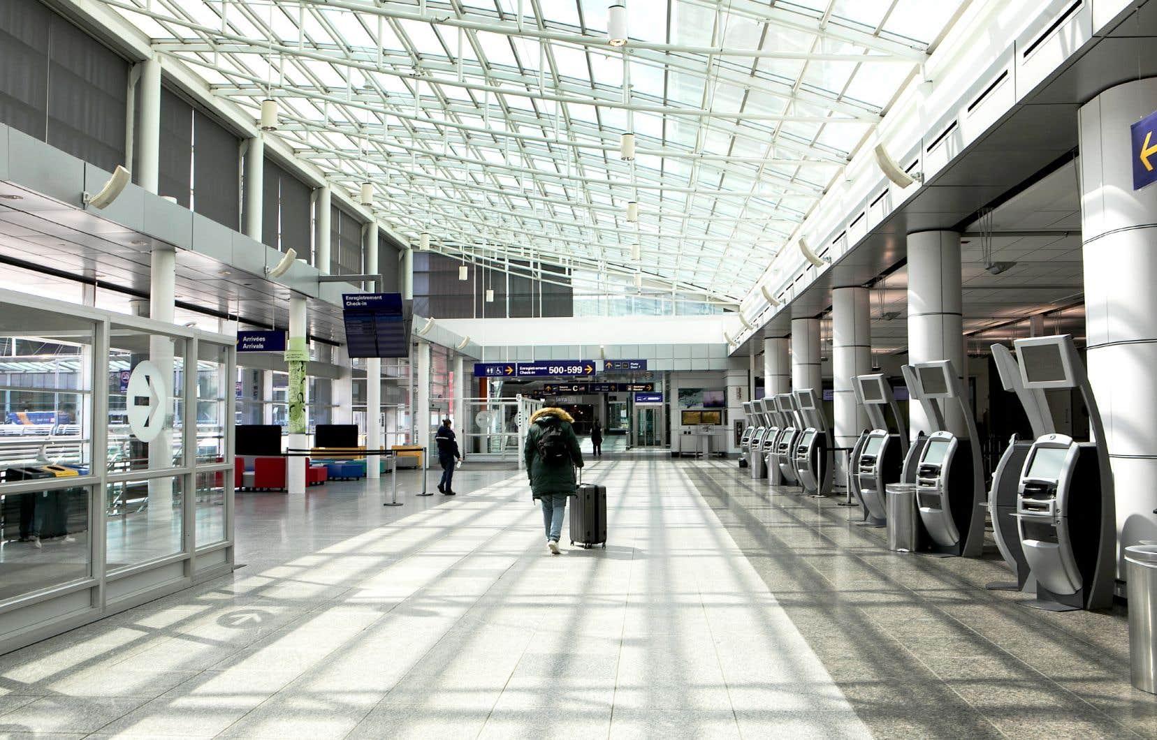 Selon les estimations de l'IATA, les recettes générées par les compagnies aériennes dans le marché canadien vont diminuer de 14,6milliards, ou de 43,2%.