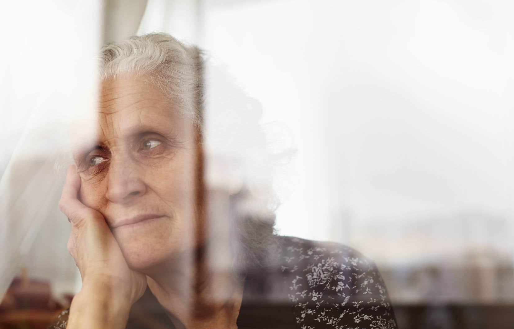 «L'abandon des vieux à leur sort a suivi le sort qu'on a fait subir à la culture, et nous sommes entrés dans une ère d'indifférence», écrit l'auteur.