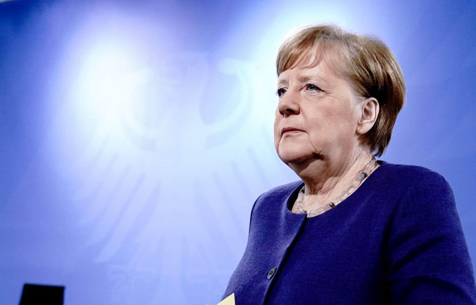 La pandémie a redonné à la chancelière allemande une popularité qu'on ne lui avait pas connue depuis longtemps.<br />