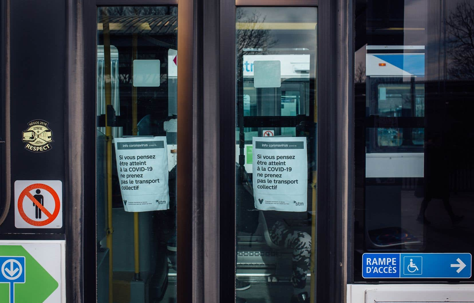 Tous les autobus de la STM seront équipés de panneaux de plexiglas afin de protéger les chauffeurs de la COVID-19.