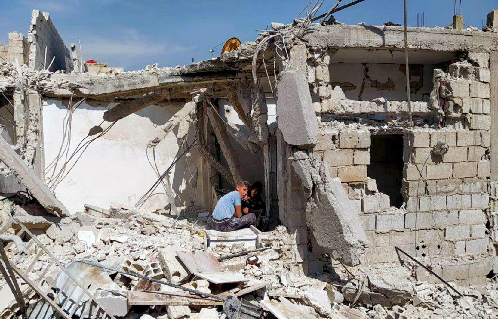Depuis le 21avril, l'Observatoire syrien des droits de l'homme et des médias d'État syriens ont fait état d'au moins six frappes imputées à Israël contre des positions iraniennes ou de groupes proches de l'Iran, y compris le Hezbollah libanais, en Syrie.