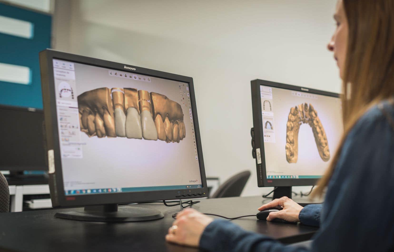 À défaut de pouvoir poursuivre leur trimestre dans les salles de classe, les étudiants peuvent réfléchir aux notions associées aux différentes étapes de fabrication de prothèses dentaires grâce à des vidéos pédagogiques, explique la professeure Émilie Brûlé.