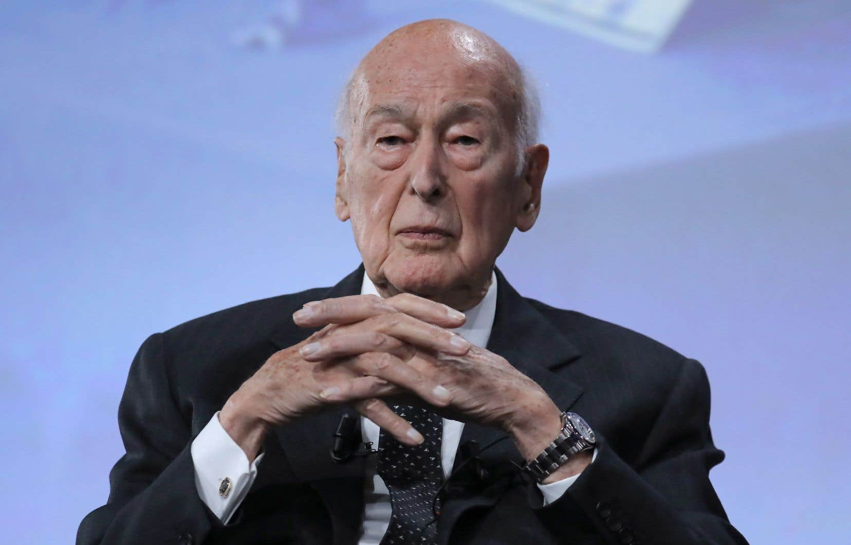 Valery Giscard d'Estaing a dirigé la France de 1974 à 1981 et est toujours membre du Conseil constitutionnel.