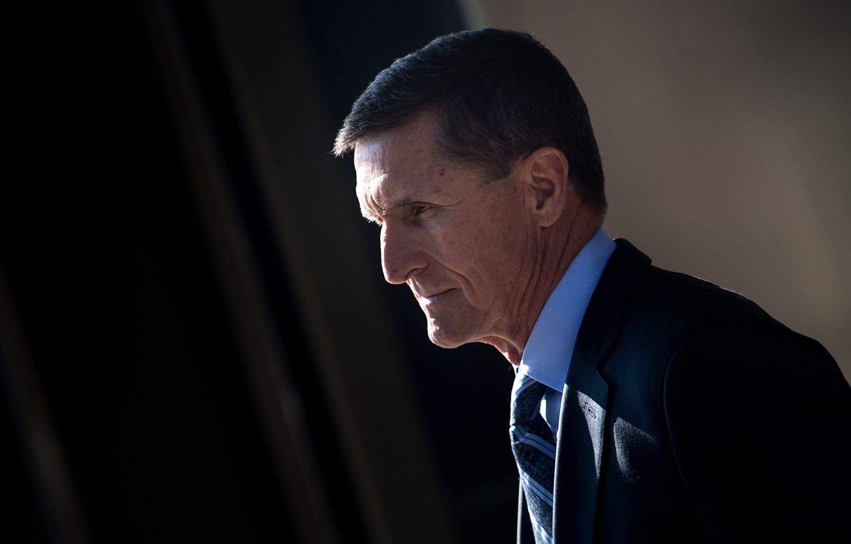 L'ancien conseiller de Donald Trump, Michael Flynn, avait accepté de plaider coupable de parjure et de coopérer avec l'enquête russe.