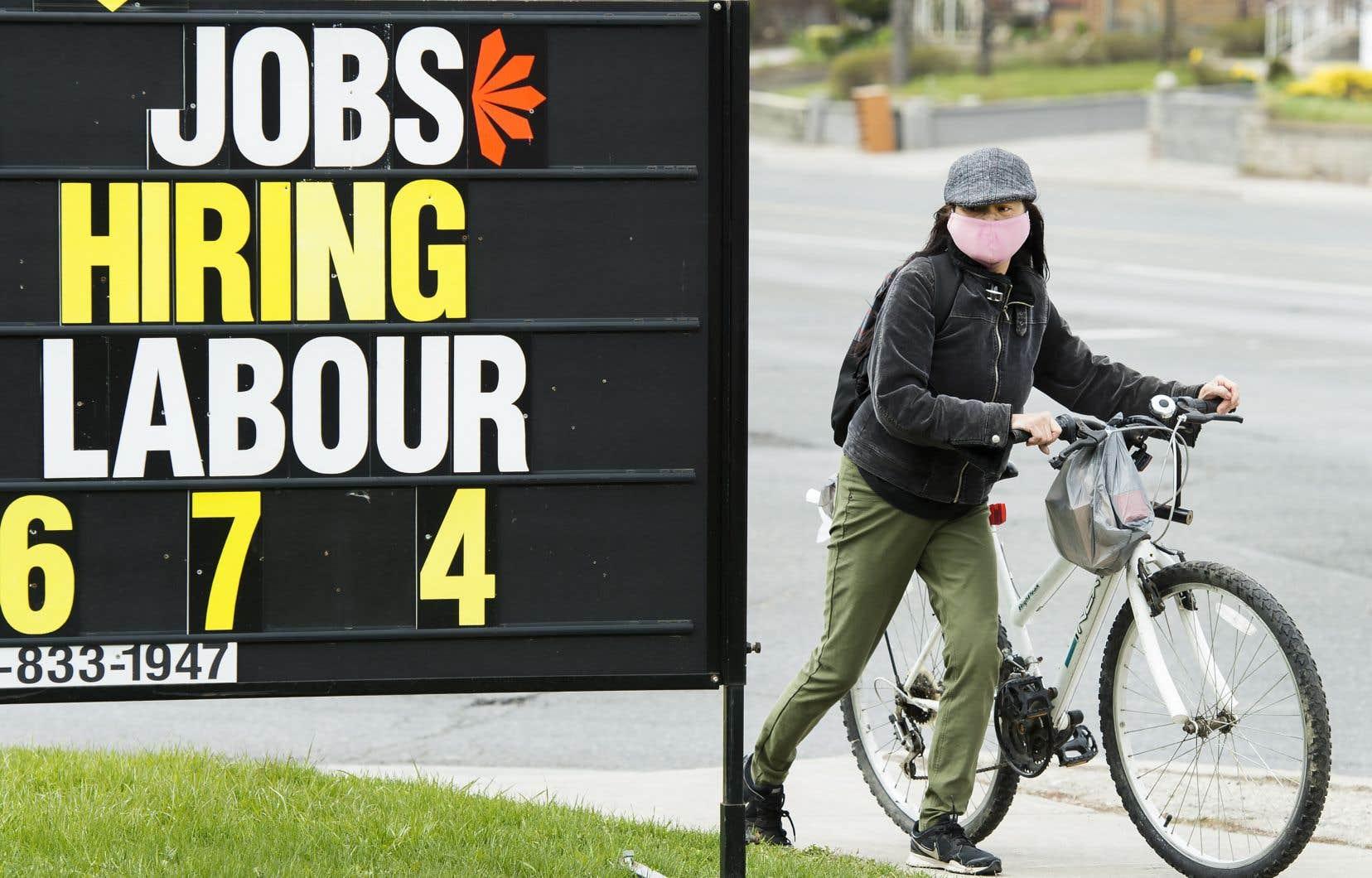 L'emploi a reculé dans toutes les provinces pour un deuxième mois consécutif.