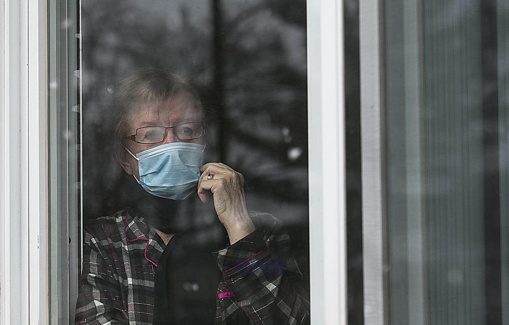 Les proches aidants n'auront plus à être dépistés avant d'entrer dans les CHSLD ou les résidences pour personnes âgées, que ce soit pour aller dans une zone chaude ou une zone froide.