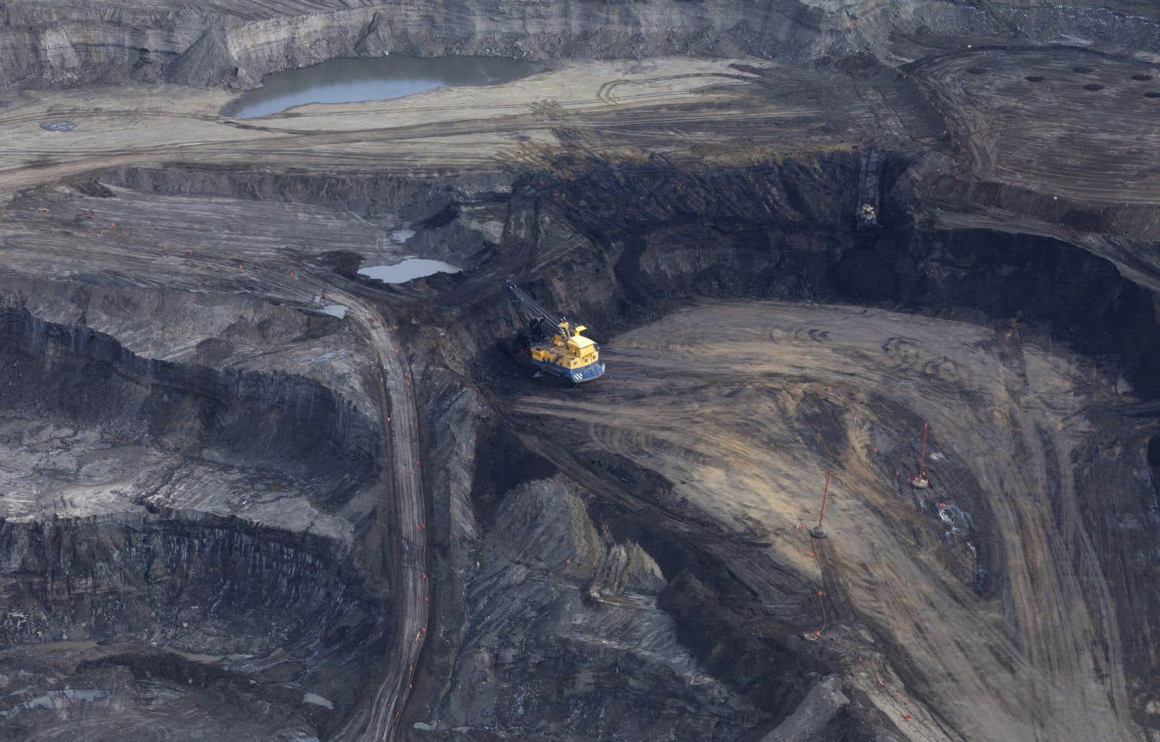 Il faut un terme à toutes subventions au secteur des énergies fossiles, affirme l'autrice.