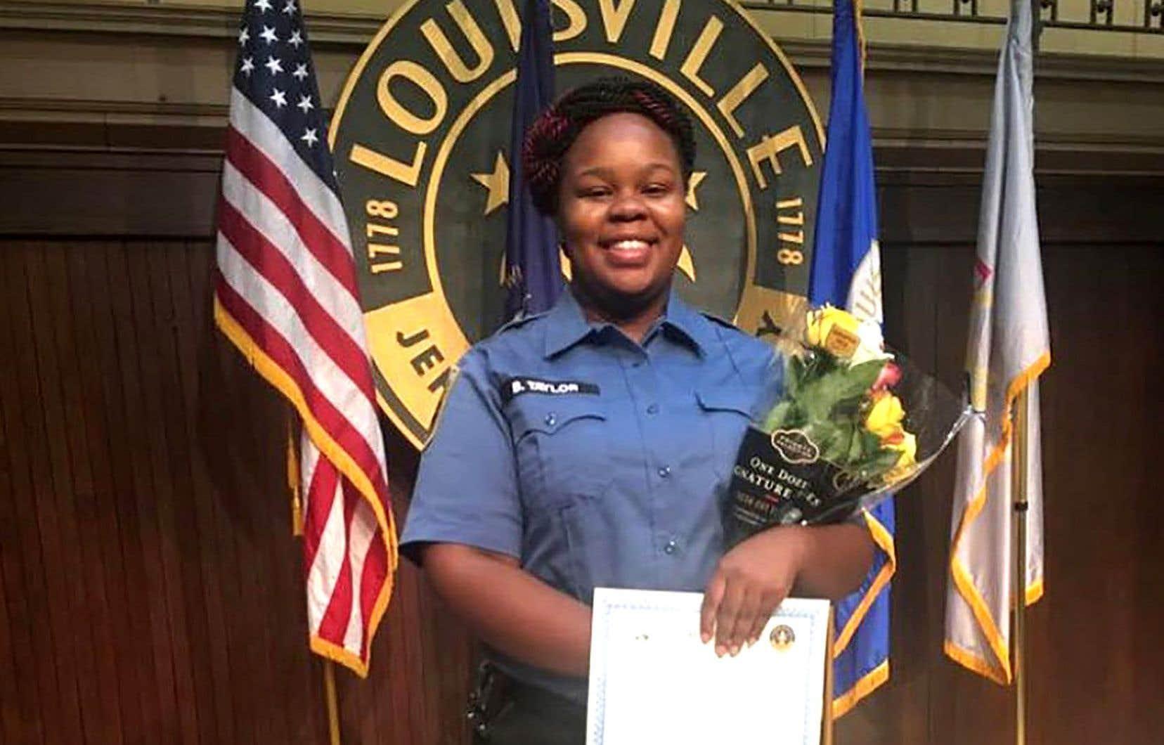 Breonna Taylor est morte le 13 mars dernier lorsque des policiers ont fait irruption dans son appartement durant la nuit et lui ont tiré dessus.