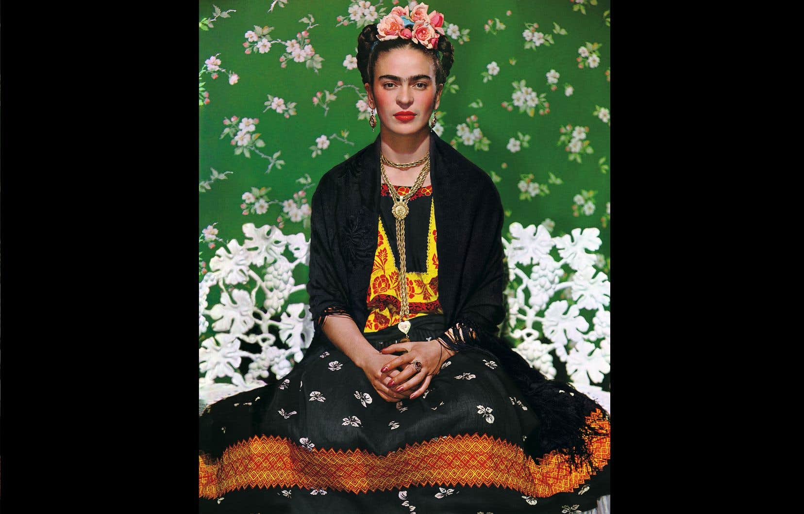 Nickolas Muray, «Frida Kahlo sur un banc #5», 1939