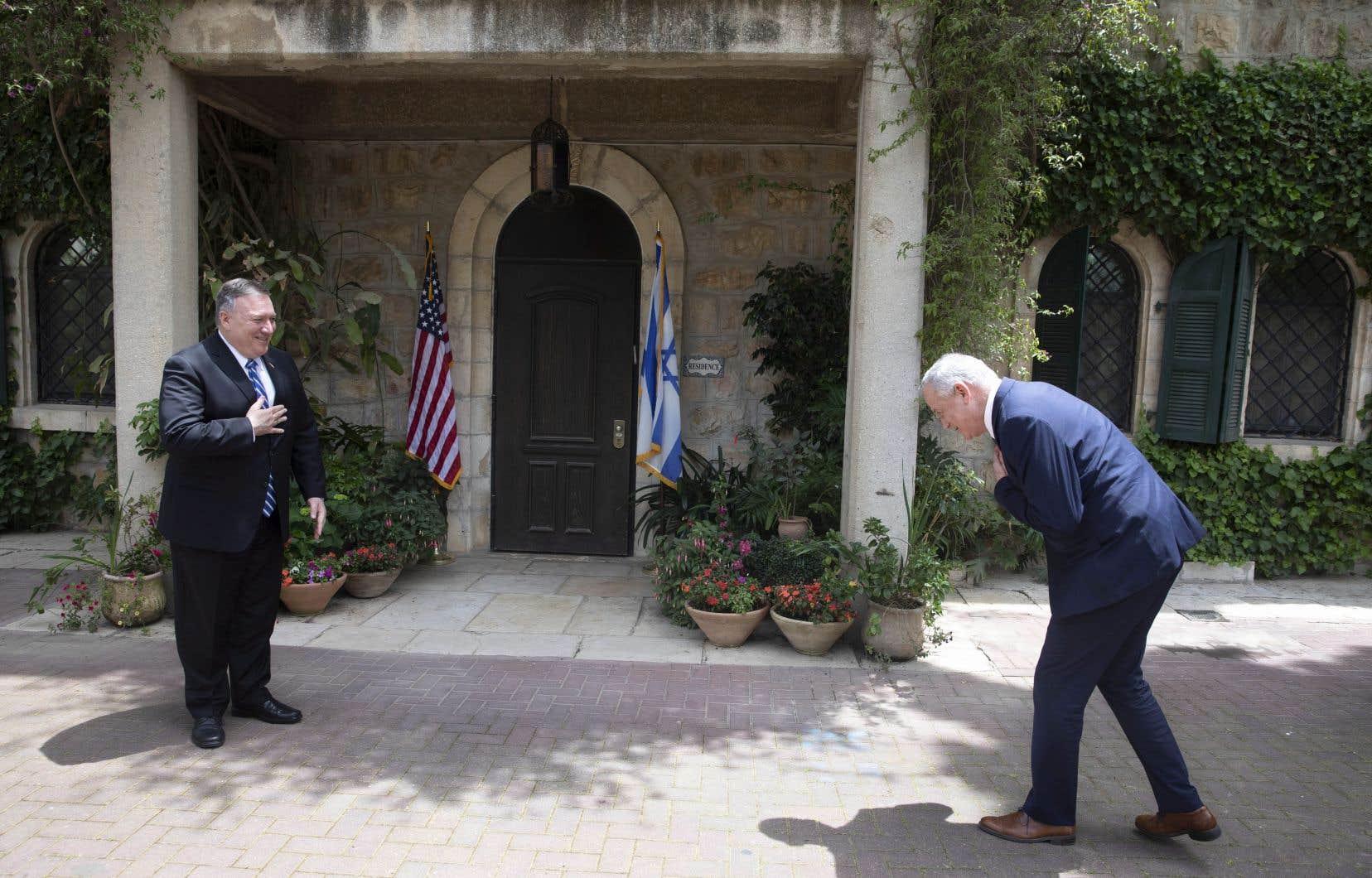 Le secrétaire d'État américain, Mike Pompeo, a fait une visite éclair en Israël pour rencontrer le premier ministre Benjamin Nétanyahou.