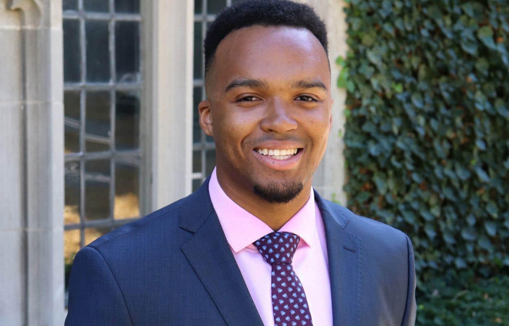 Nicholas Johnson est le premier étudiant noir de l'Université Princeton, souvent blâmée pour son passé raciste, à obtenir le titre de major de sa promotion.