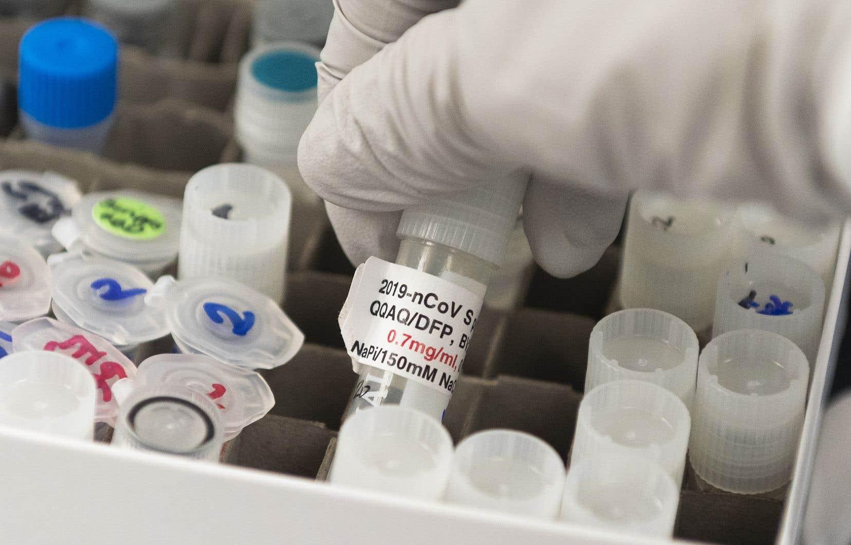 Sanofi a prévenuqu'il réserverait probablement aux États-Unis la primeur d'un éventuel vaccin contre le nouveau coronavirus, car les autorités américaines ont investi dans son développement.