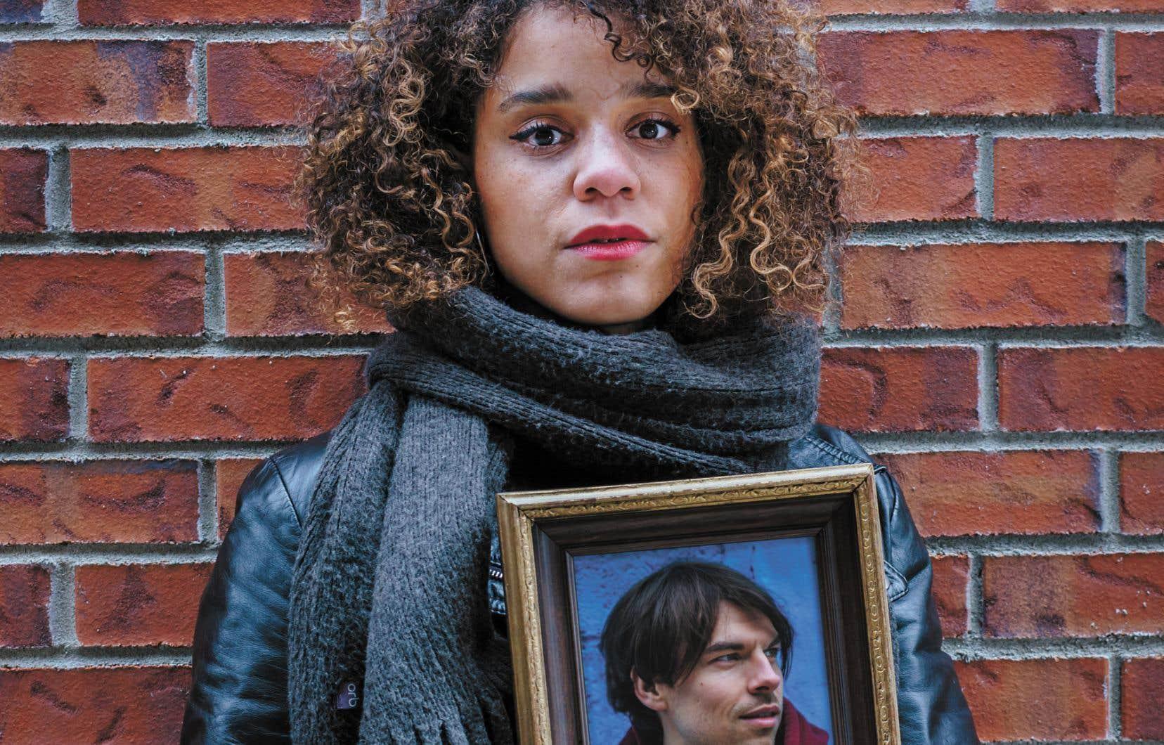 En racontant leur rencontre à l'université, Chloé Savoie-Bernard sourit, comme lorsqu'on regarde une vieille photo: «Je me souviens que t'avais les cheveux blonds et un