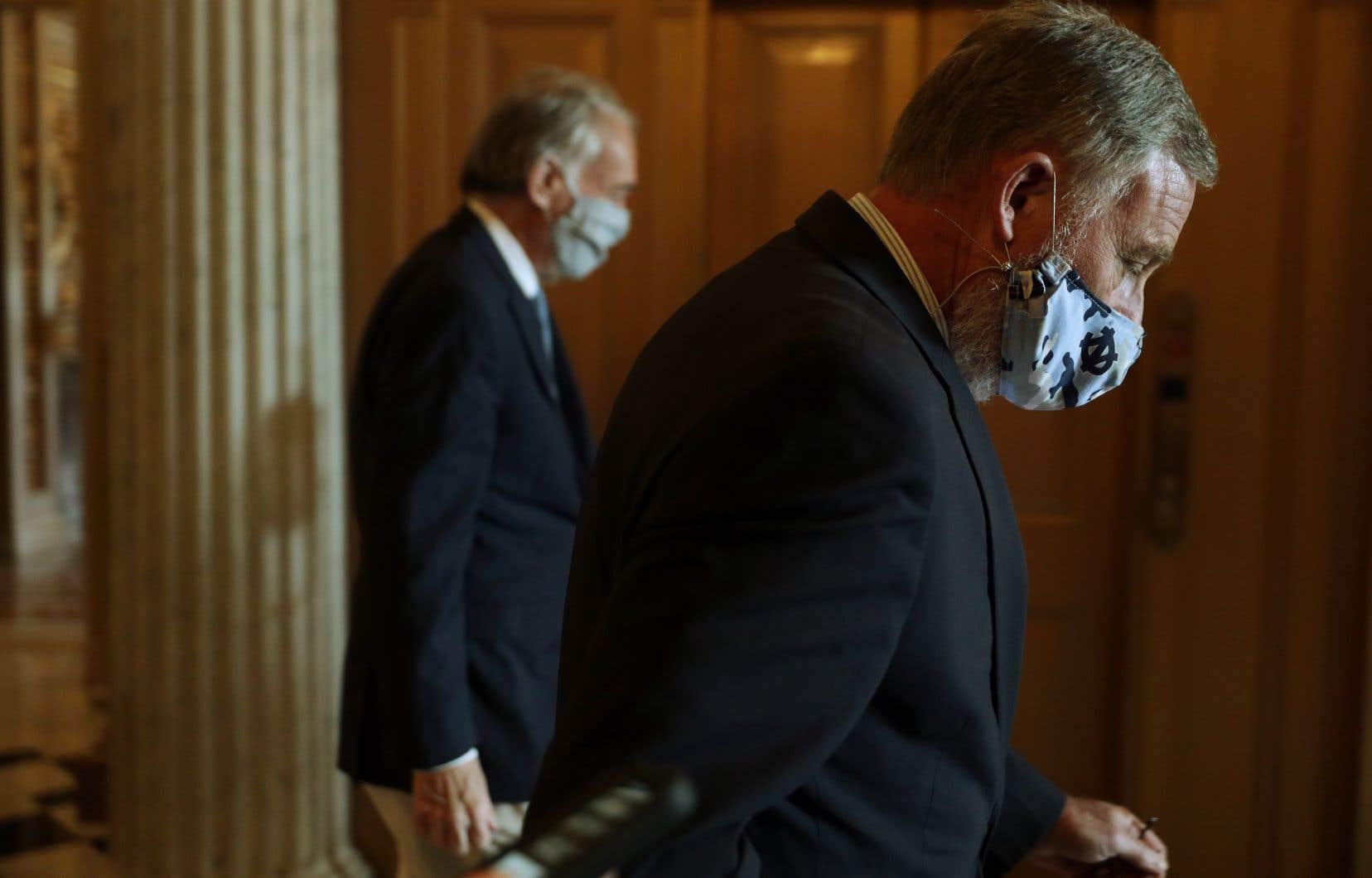 La vente des actions du sénateur de la Caroline du Nord,Richard Burr, atteint une valeur comprise entre 628000dollars et 1,7million de dollars.