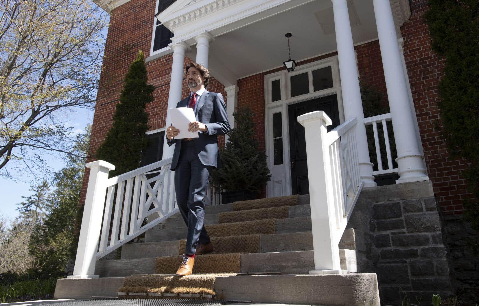 Le premier ministre du Canada, Justin Trudeau, devant sa résidence à Ottawa
