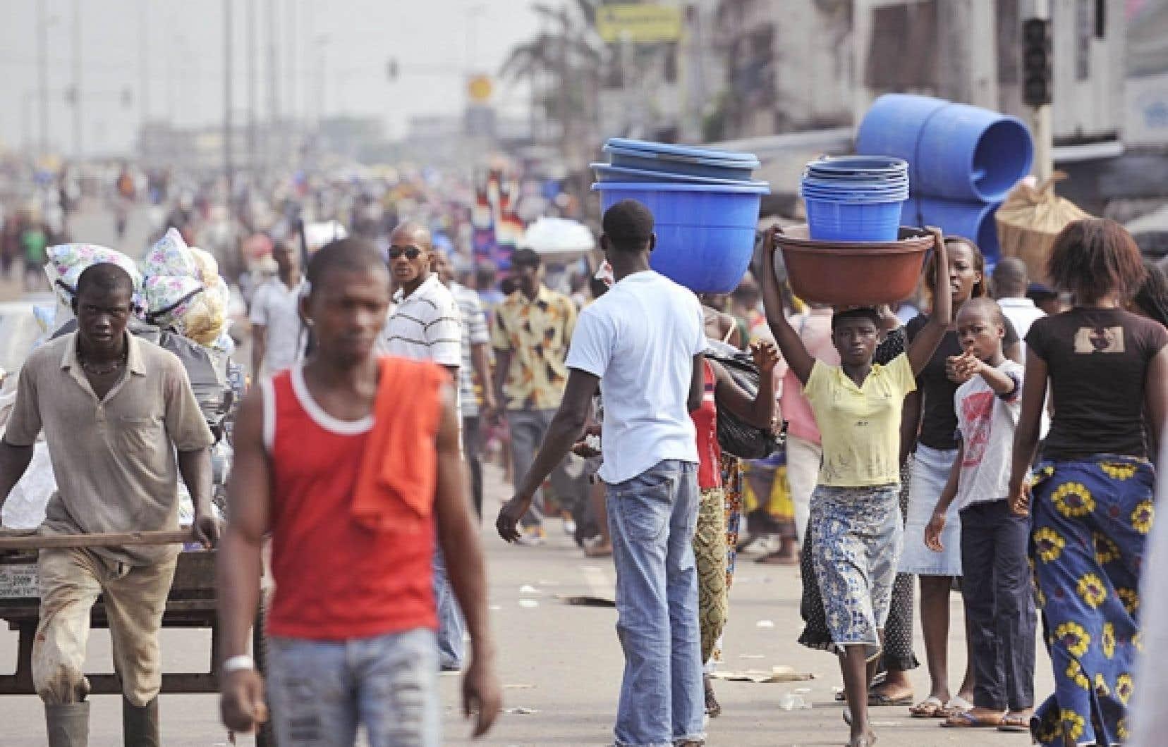 Les Ivoiriens vaquaient à leurs occupations hier à Abidjan.<br />