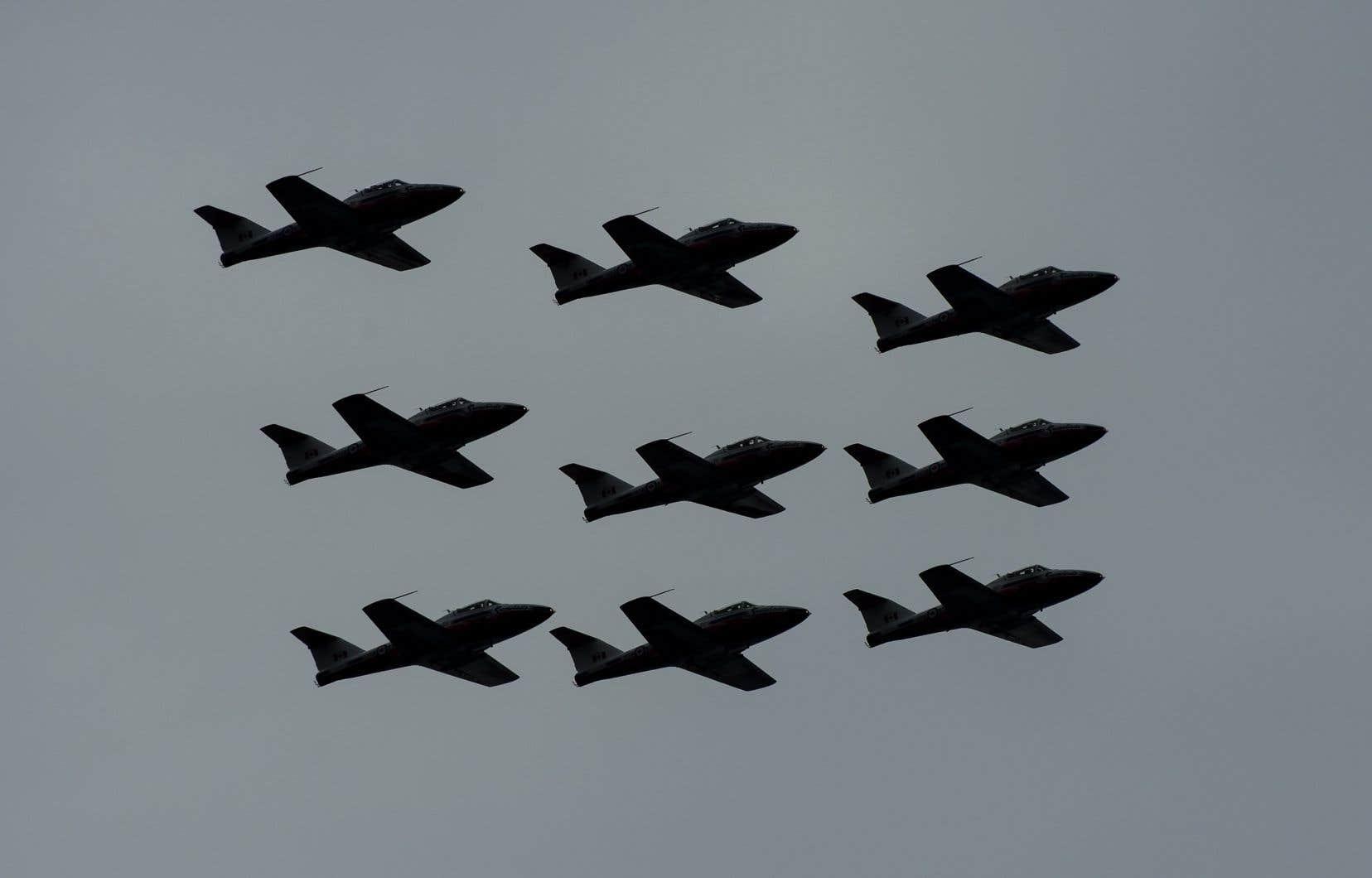 <p>Les Snowbirdsdevaientvoler de Kamloops à Vernon dans le cadre de sa tournée pancanadienne «Opération Inspiration» visant à saluer les Canadiens qui soutiennent la lutte contre la propagation de la COVID-19.</p>