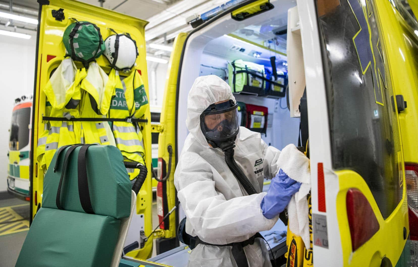 Le gouvernement suédois espère pouvoir tester jusqu'à 100000 personnes par semaine, un objectif encore difficile à atteindre aujourd'hui.