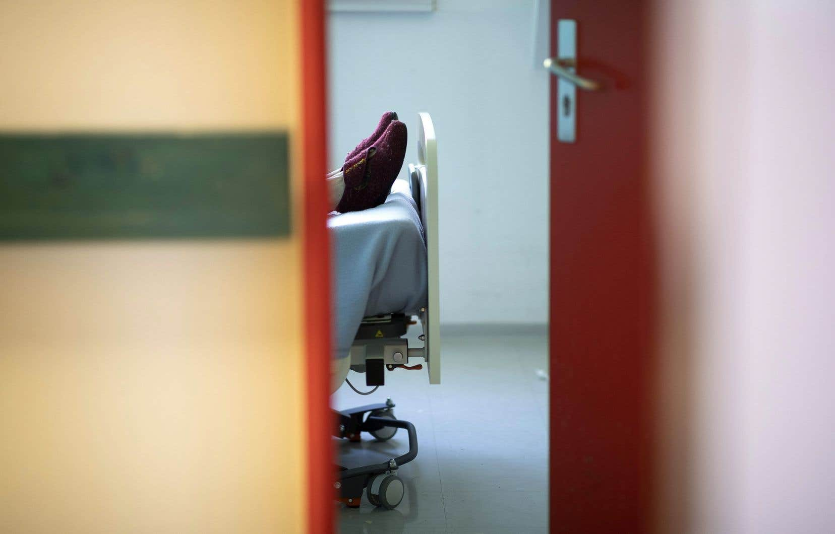 Les ressources intermédiaires sont comme de petits CHSLD qui offrent moins de soins à leurs patients, explique la D<sup>re</sup>Marie-Hélène Marchand.