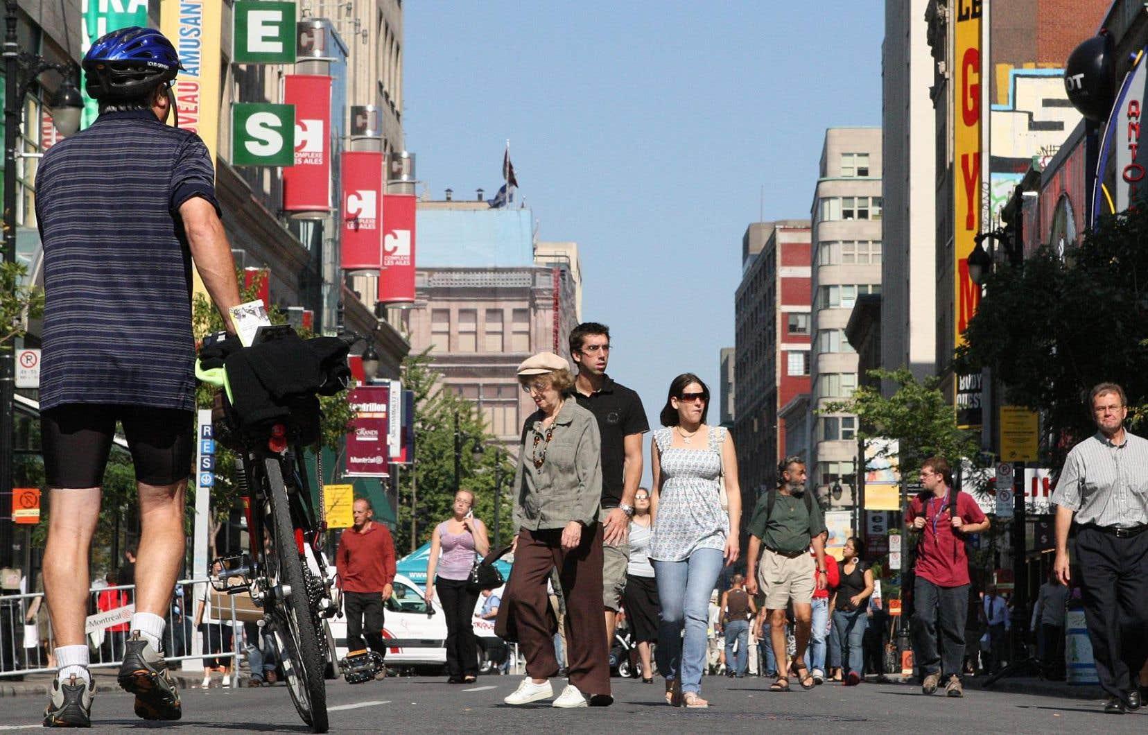 La rue Sainte-Catherine Ouest, entre les rues Metcalfe et Atwater, sera interdite aux voitures pendant les fins de semaine de l'été à compter du 19juin.