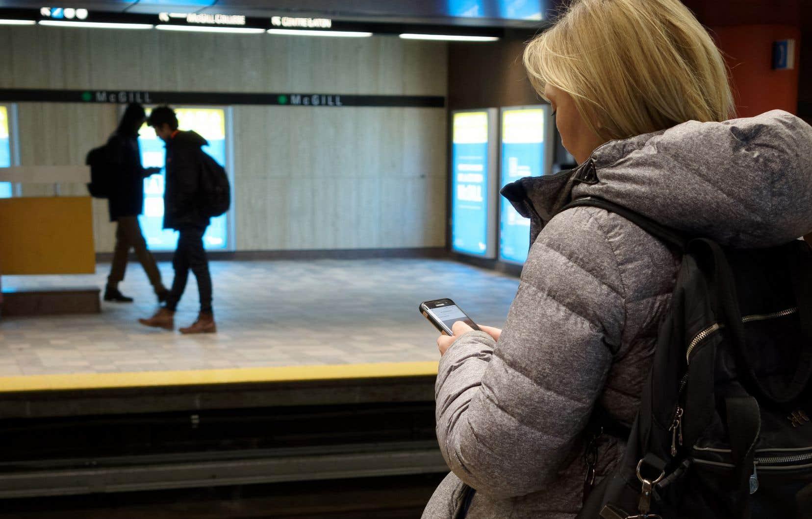 «Grâce à sa capacité prédictive, l'application permet d'avertir les utilisateurs potentiellement infectés avant même qu'ils développent des symptômes de la maladie, au moment où ils sont justement les plus contagieux sans le savoir», soulignent les auteurs.