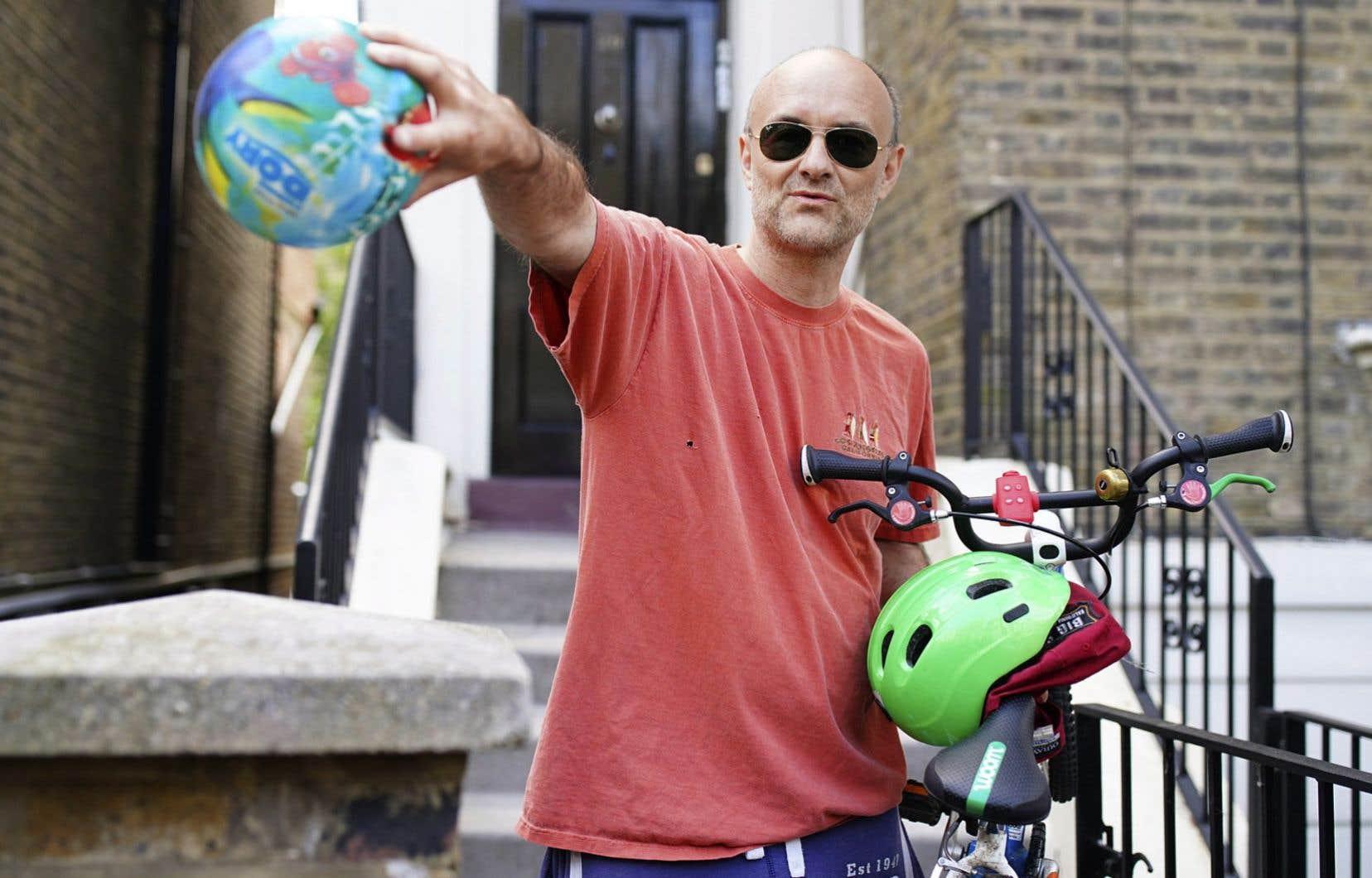 Dominic Cummings, 48ans, avait quitté son domicile londonien pour se rendre chez ses parents septuagénaires à Durham, alors qu'il présentait les symptômes du COVID-19.