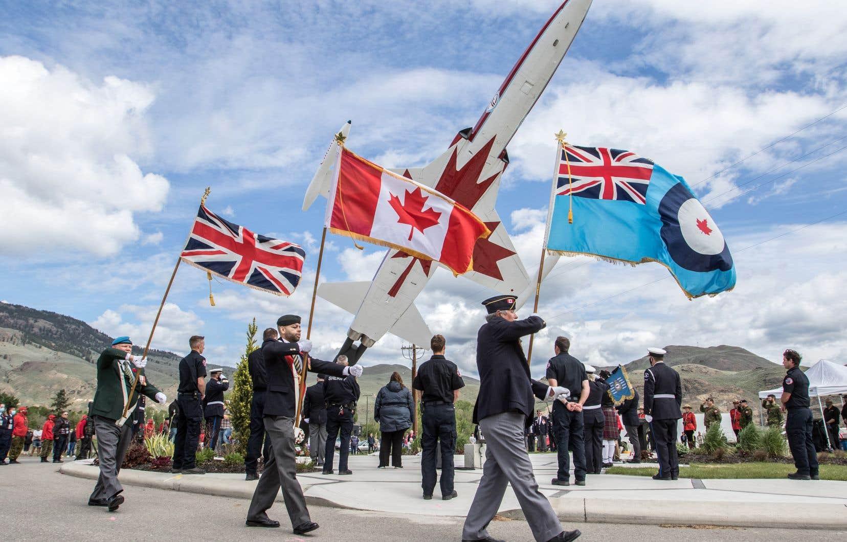 Au moment de la tragédie, l'équipe de voltige aérienne effectuait une tournée pancanadienne dans le but de remonter le moral des Canadiens pendant la pandémie de COVID-19.
