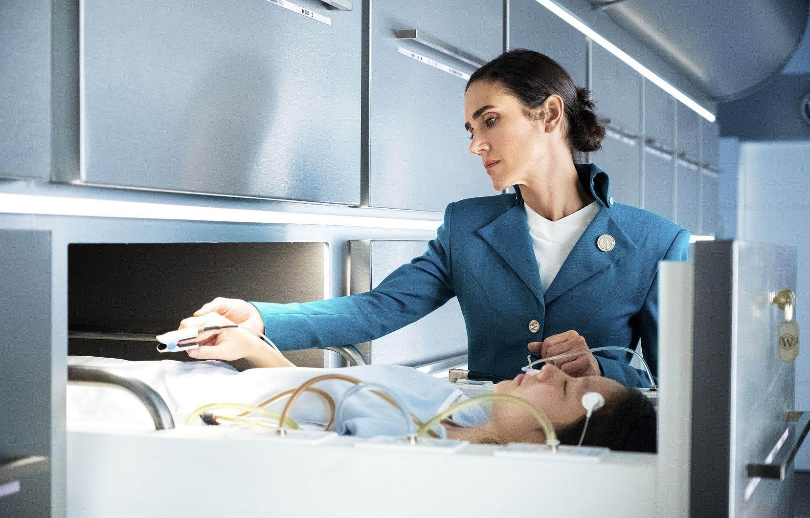 Veillant d'une main de maître sur le bon fonctionnement du train, la concierge, Melanie Cavill (Jennifer Connelly), est connue par la plupart des voyageurs, ceux qui ne sont pas confinés en première classe, pour être la voix du train.