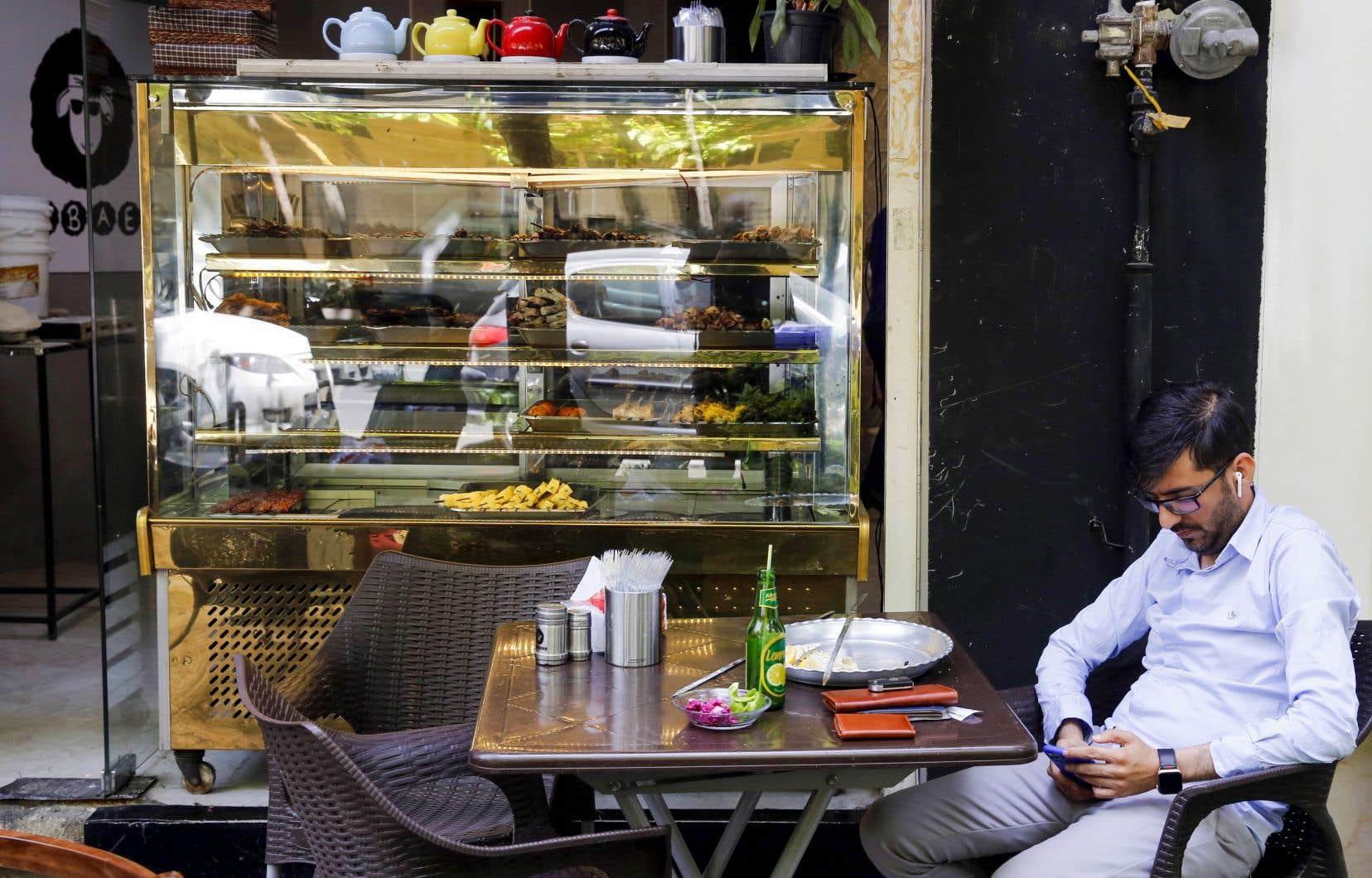Les restaurants étaient classés parmi les commerces qualifiés à haut risque.